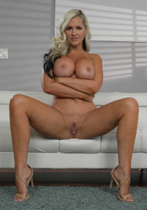 Brazzers.com: Mommy's Busy